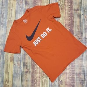 NIKE YOUTH TEE size M